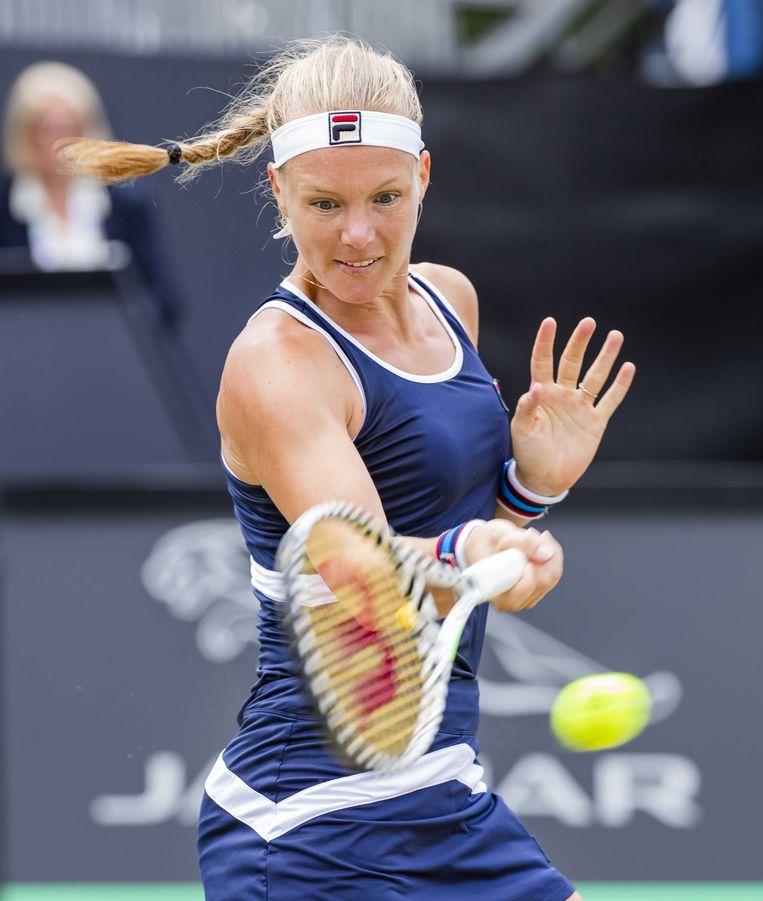Kiki Bertens tijdens haar partij tegen de Amerikaanse Alison Riske,  in de finale op het grastoernooi van Rosmalen.  Beeld ANP