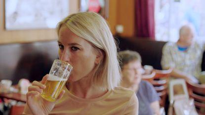 """Kat Kerkhofs gaat in gesprek met ex-alcoholverslaafde: """"Ik dronk tot ik letterlijk op de grond lag"""""""