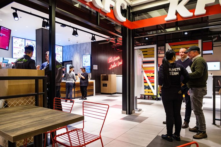 Opening KFC in Wijnegem Shopping, op 20 november.