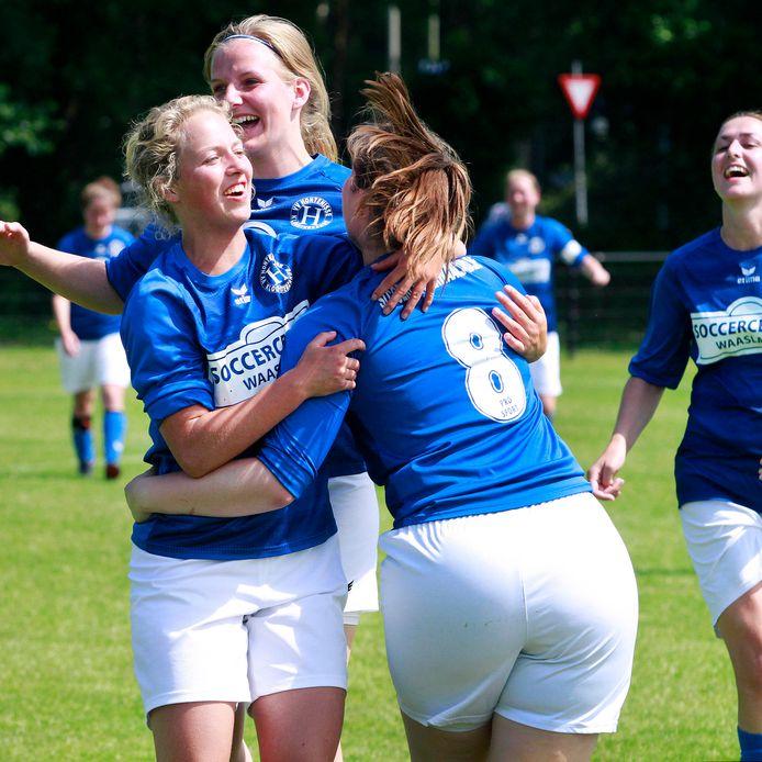 De vrouwen van Hontenisse, op archief, scoorden zes keer, maar wonnen niet. Lisan van den Broek maakte er vijf.