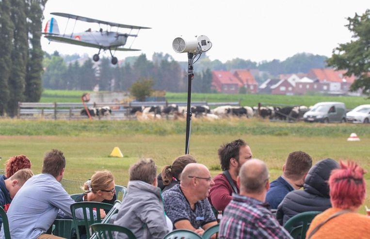 De bezoekers van de Fly-In konden genieten van enkele stunts.