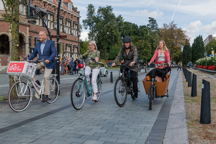 Start van de stimuleringscampagne 'Ik fiets'.