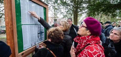 De namen van de oorlogsslachtoffers zijn weer leesbaar, nu met QR-code
