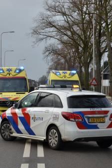 Twee gewonden bij frontale aanrijding auto en motor in Vorden
