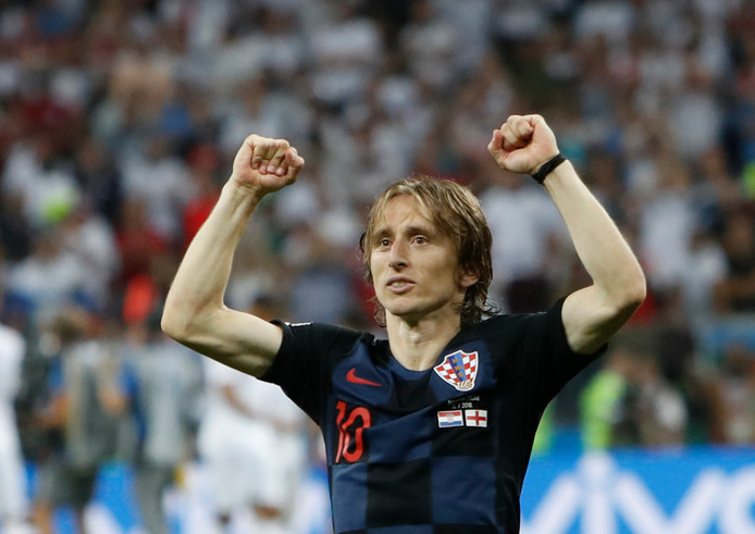 Luka Modric viert de overwinning op Engeland.