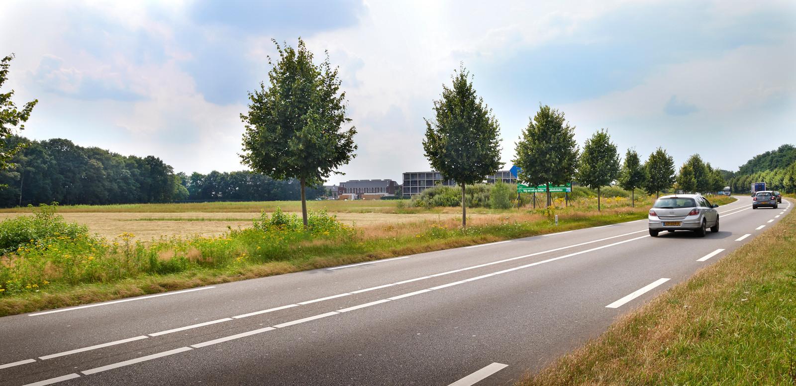 Links het laatste stuk VelmolenOost dat vanaf volgend jaar volgebouwd gaat worden. Onder meer met huurhuizen en woningen voor spoedzoekers.
