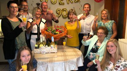 """Maria van gewezen dancing 'The Stones' wordt 90: """"Het geheim? Wijn drinken uit een limonadeglas"""""""