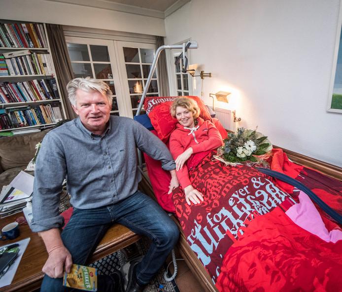 Willemijn en Marcel Busscher zijn blij om de grote belangstelling van omwonenden en bekenden