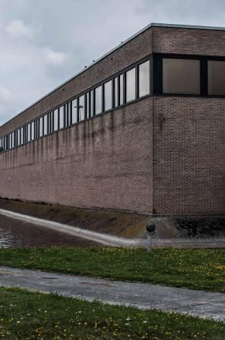 """ASSISEN. Cipier van Brugse gevangenis werd door De Bondt met de dood bedreigd: """"Ik ben nog steeds op m'n ongemak"""""""