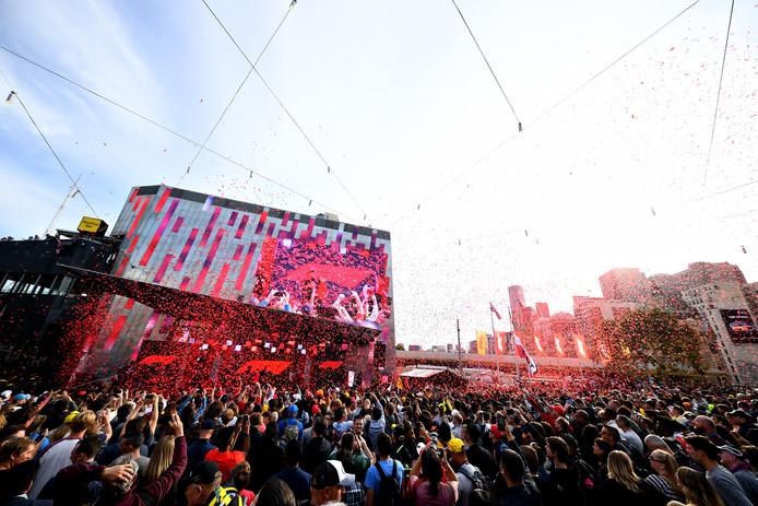 Duizenden fans verzamelen zich in Melbourne.