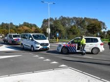 Chauffeur leerlingenvervoer die met drank op tegen politieauto knalde op non-actief gesteld