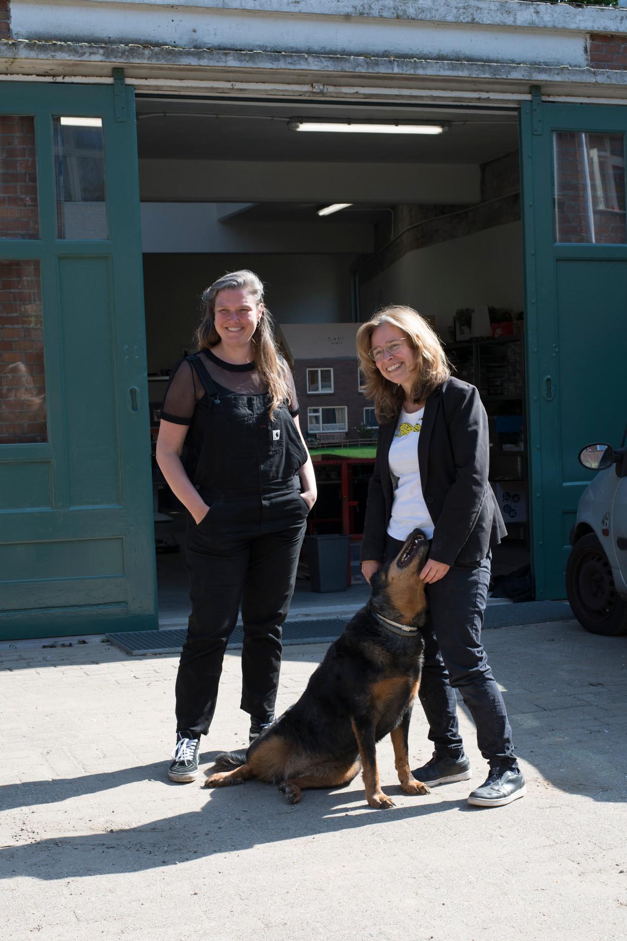 Filmmaker Mascha Halberstad (rechts) en producent Marleen Slot van animatiestudio Holy Motion.