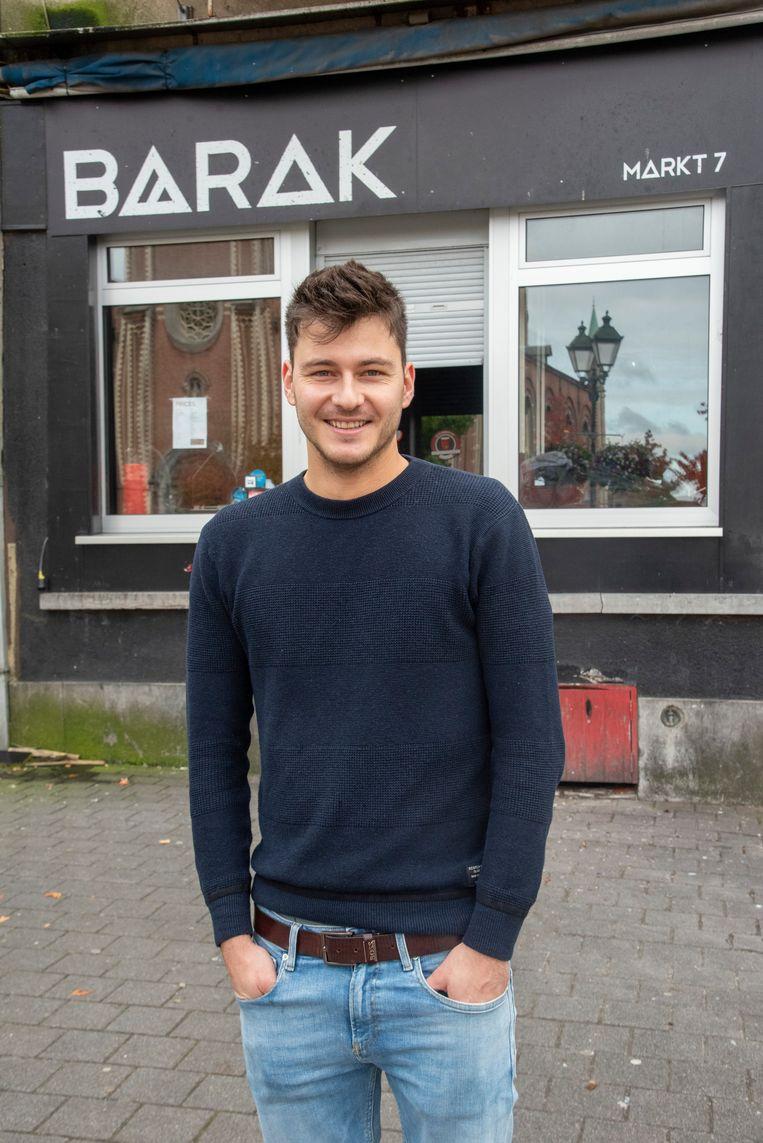 Cafébaas Joachim Hulpiau is klaar voor het laatste feestje in Barak.
