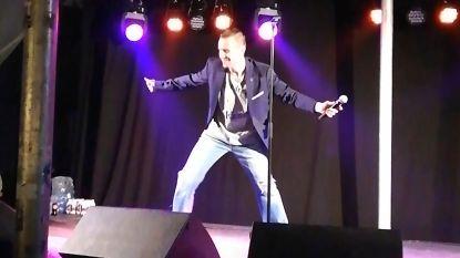 VIDEO. Sam Gooris valt op podium (maar lost dat schitterend op)