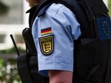 Kind (1) achtergelaten in snikhete auto over grens bij Winterswijk
