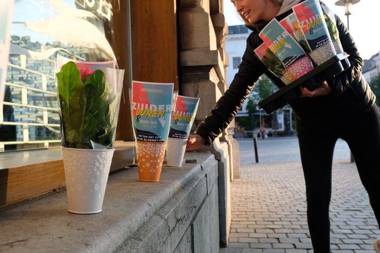 Buurtbewoners op het Zuid kregen deze morgen een bloemetje