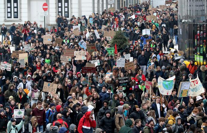 Duizenden Belgische studenten in de straten van Brussel.
