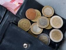 Inwoners West Betuwe krijgen geld voor een waterpomp, gereedschap en evenementententen