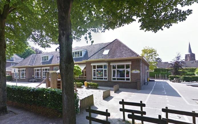 De Bienekebolders verlaat het eigen schoolgebouw aan de Bosstraat