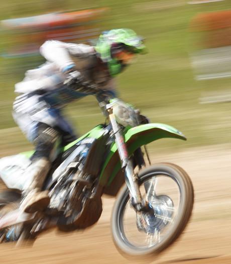 Wedstrijd Open Zeeuws Kampioenschap motorcross in Wemeldinge gaat door