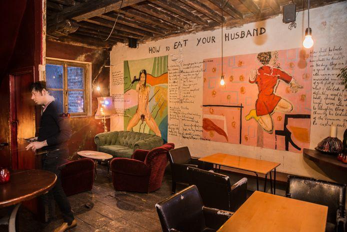 Werk van Jan Van Imschoot in het zaaltje boven café Jos.
