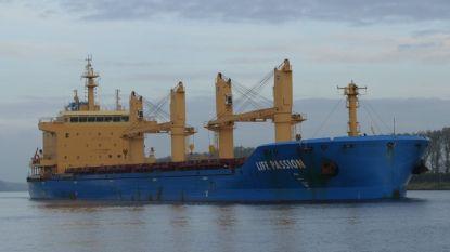 Vrachtschip aan de ketting voor onze kust wegens ontploffingsgevaar