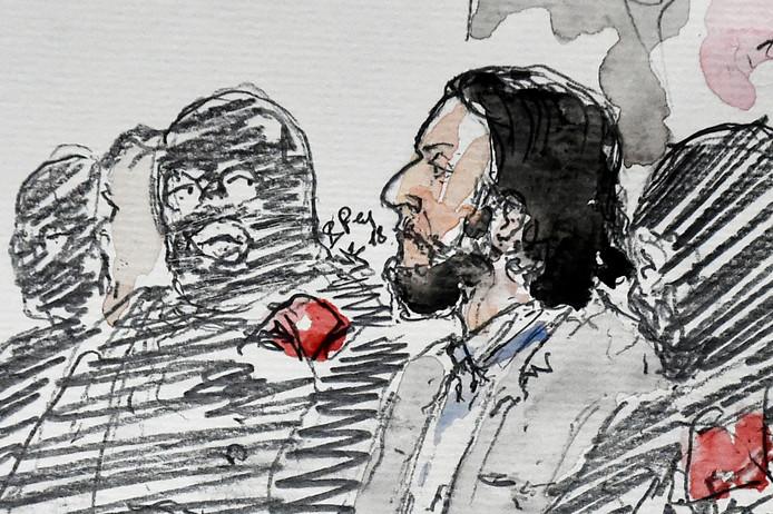 Een rechtbanktekening van Abdeslam tijdens de eerste dag van zijn proces.