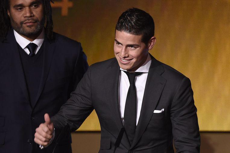 James Rodriguez ontvangt de Puskás Award Beeld afp