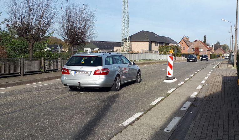 De paatjes op de Gentse Steenweg werden al een tiental keer afgereden.