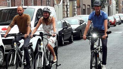 Stad zet personeel op de fiets