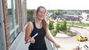Denise van der Heijden kijkt vanuit haar voordeur uit op rotonde 't Kruispunt in Heesch.