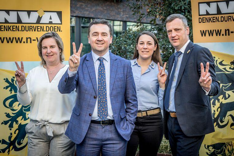 Met Siska Rommel, Brecht Vermeulen, Justine Pillaert en Bart Stragier doen vier Roeselaarse N-VA'ers mee aan de parlementsverkiezingen.