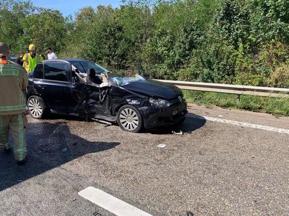 Door het ongeval raakte de E314 volledig versperd.
