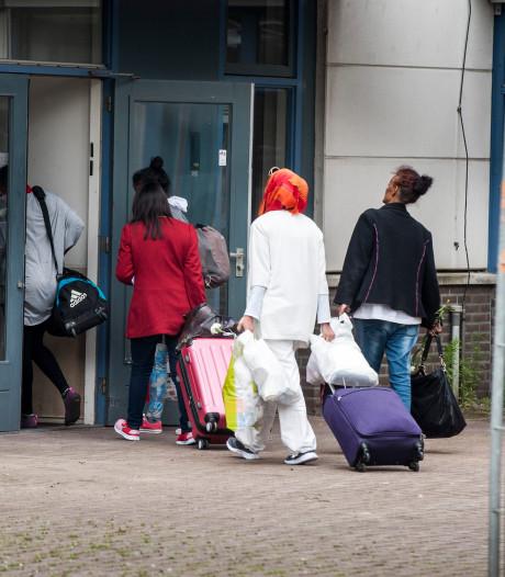 Enschede bezuinigt niet op asielzoekers: bed-, bad- en broodopvang tot 2019 open