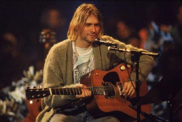 """Kurt Cobain avait utilisé cette guitare lors de l'enregistrement de l'émission """"Unplugged"""" de la chaîne américaine MTV."""
