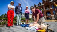 Gemeente investeert in drie nieuwe AED-toestellen