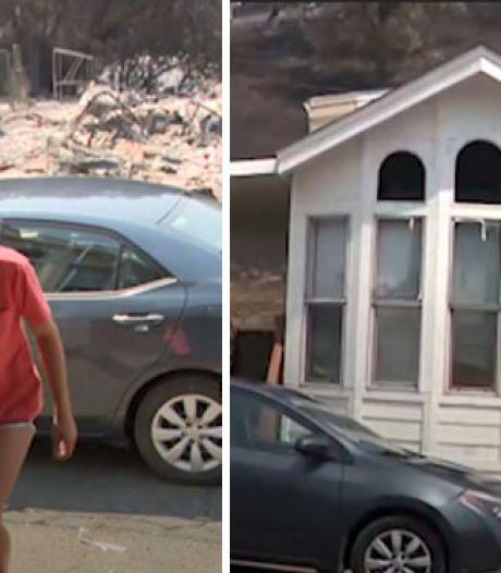 Une maison épargnée au milieu d'un feu de forêt destructeur