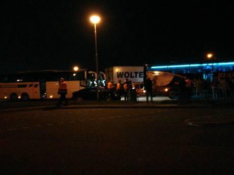 Fans FC Twente door kettingbotsing niet meer op tijd in Alkmaar