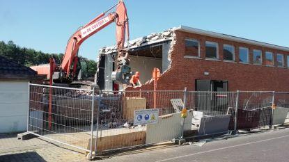 Oude gebouwen ontmoetingscentrum 't Molenhuis gesloopt