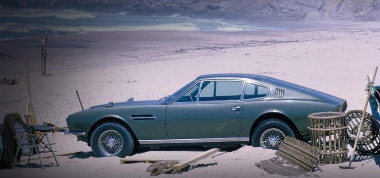 Film: On Her Majesty's Secret Service.'Het ontwerp van die Aston Martin DBS maakte zo'n indruk, dat speelt zeker mee in mijn ontwerpen nu.' Beeld .