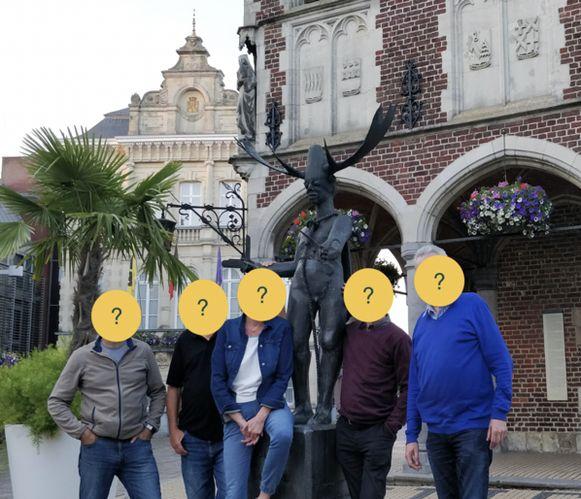 De bestuursleden van de nieuwe afdeling van vtbKultuur in Tielt blijven liever nog even anoniem.