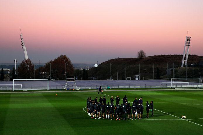 Real Madrid maakt het seizoen af in het Estadio Alfredo Di Stéfano, het stadionnetje op het trainingscomplex van De Koninklijke.