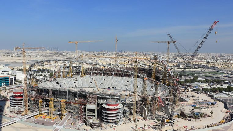 The new Khalifa International Stadium in Doha is one of the Qatari prestige projects for the World Cup of 2020. Beeld getty