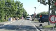 Verkeerslichten ter hoogte van de Markrivier om muur te herstellen