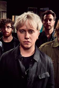 Nothing But Thieves en Guus Meeuwis op Paaspop in Schijndel
