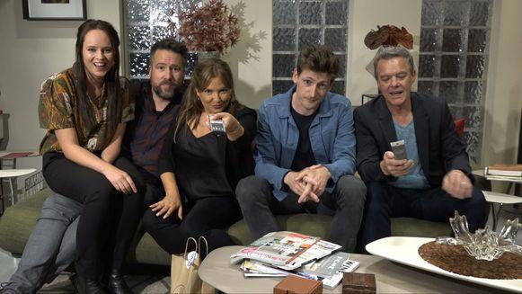Twee Australische acteurs van 'Buren' bezoeken de set van 'Thuis'