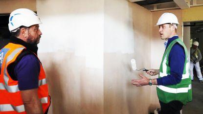 Video: Prins William bouwt eigenhandig mee aan gemeenschapscentrum voor slachtoffers Grenfell-toren