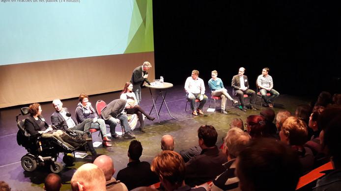 Sportdebat met alle lijsttrekkers in Theater Kees in Huissen.