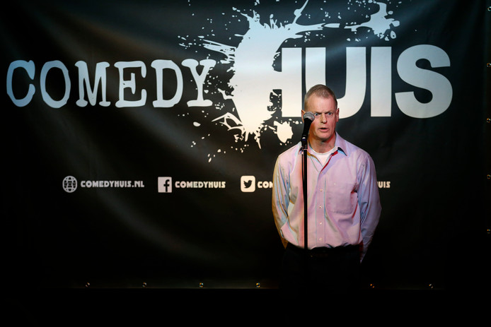 Utrechter Henk Doedens deed in 2016 mee aan de finale van de comedywedstrijd, die toen nog Comedyhuis Comedy Competitie heette. De winst zat er voor hem niet in.