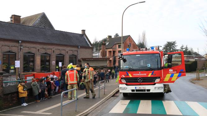 Hollebeekschool even geëvacueerd door roofingwerken bij buren